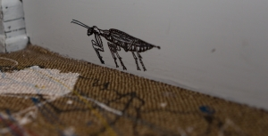 Gottesanbeterin (Mantis religiosa) auf dem Weg zum Kirchenraum